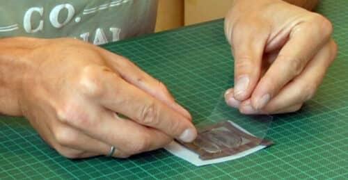 Накрываем полимер прозрачной пленкой